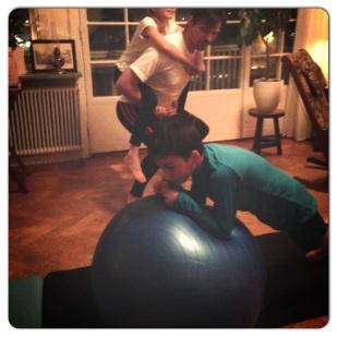 pilates personlig tränare trana med barn trana hemma